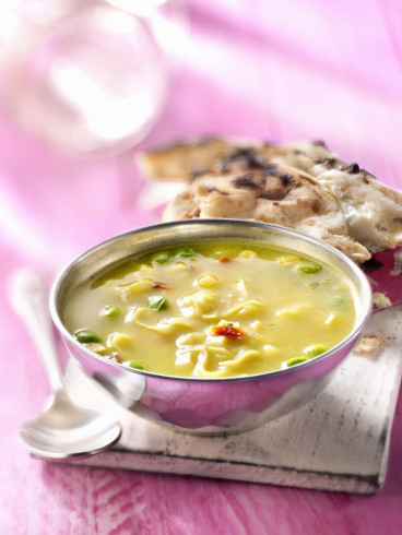 Soupe indienne Knorr® et naans au fromage