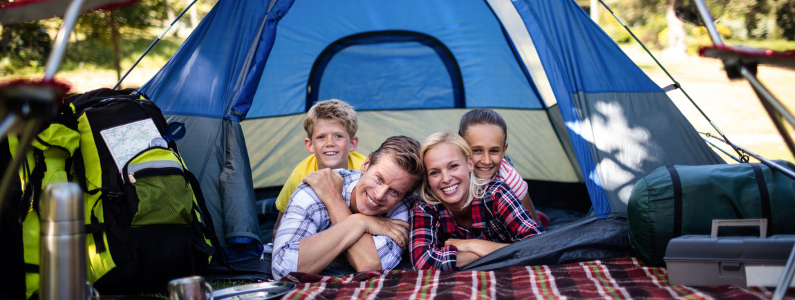 Une famille au camping