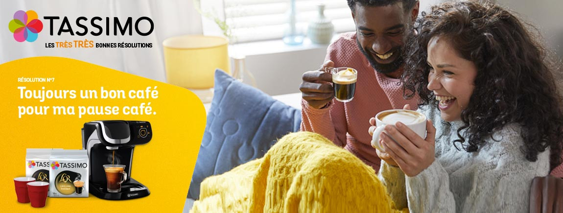 Un couple prend son café Tassimo