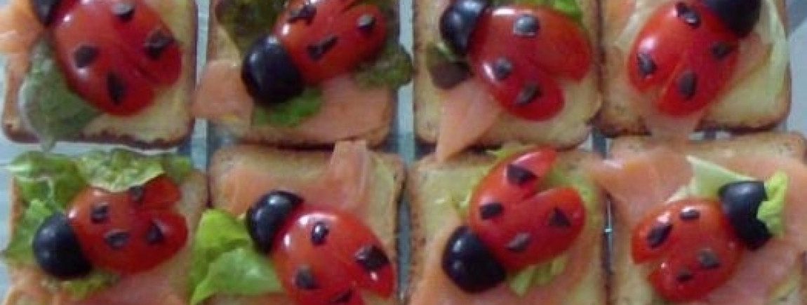 Toasts saumon coccinelles